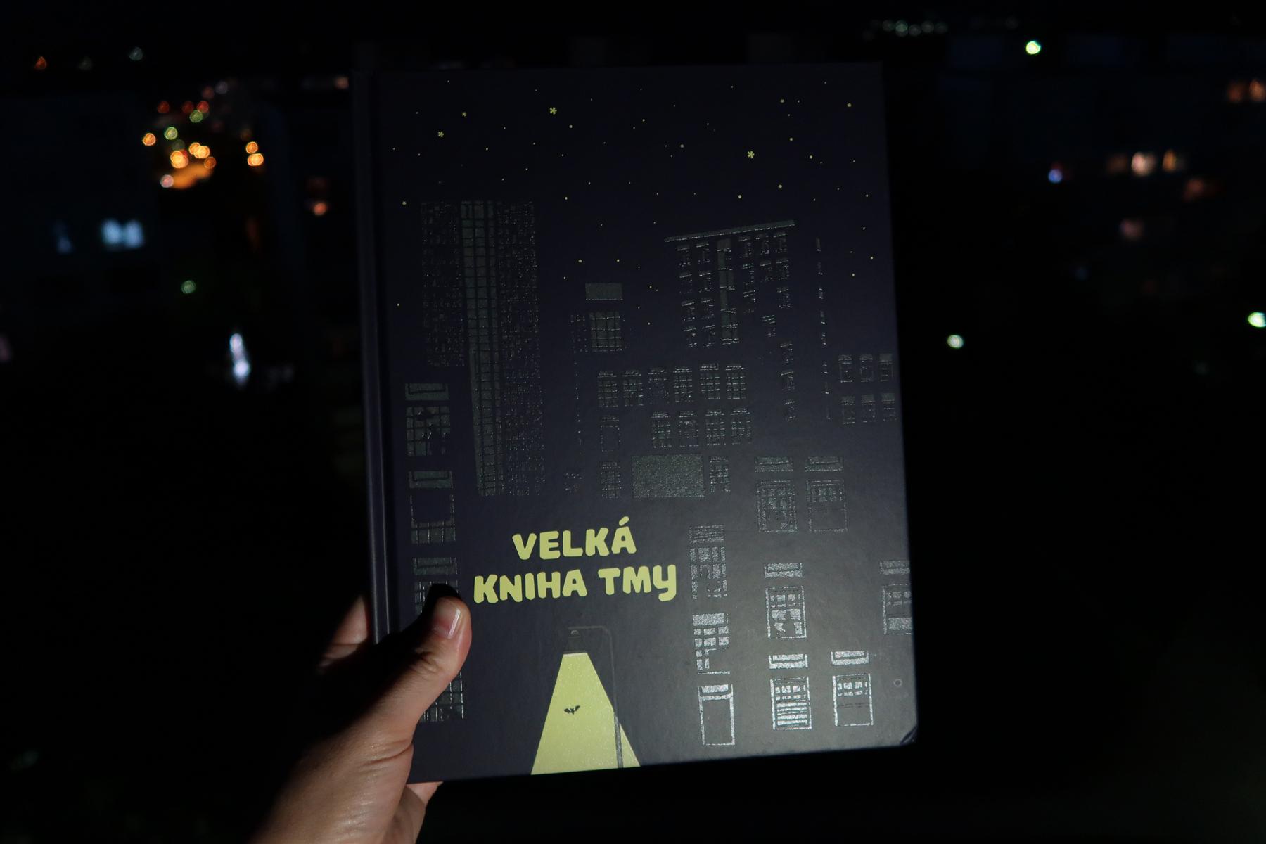 Velká kniha tmy